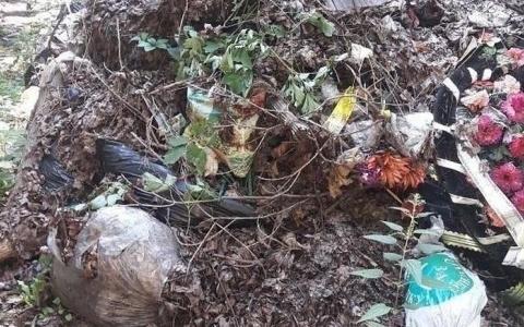 Пензенцы пожаловались Олегу Мельниченко на горы мусора на кладбище
