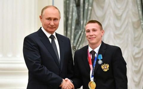"""Денис Аблязин получил автомобиль за """"золото"""" Олимпиады"""