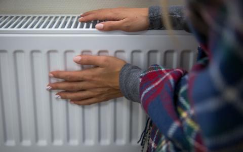 Когда ждать тепла и что делать с холодными батареями: главные вопросы отопительного сезона