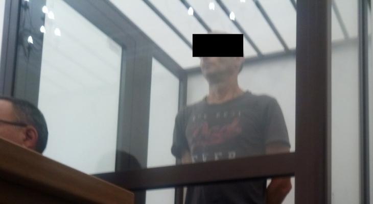 В Пензе появилась группа защиты тренера, обвиняемого в изнасиловании 9 девочек в лагере