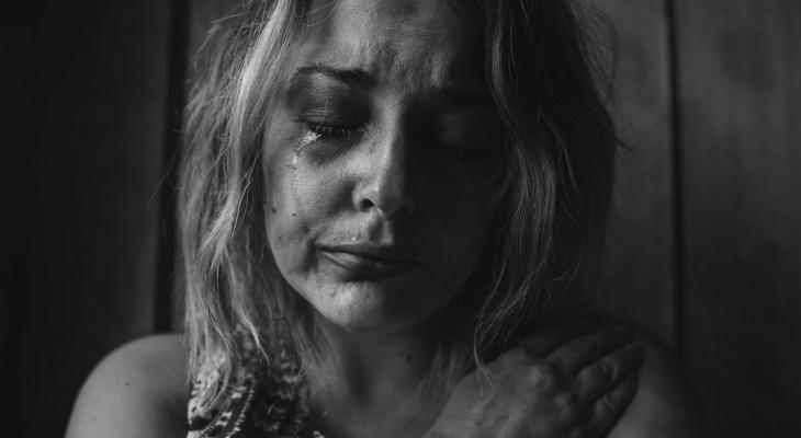 В Пензенской области пожилой мужчина, забыв о приличиях, накинулся на женщину