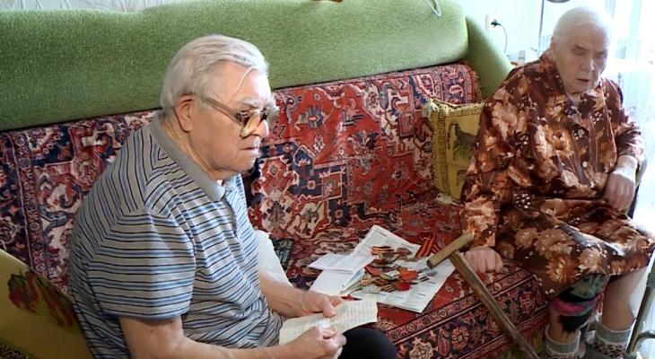 """Следователи решили проверить коммунальщиков, которые 8 месяцев """"издевались"""" над пенсионерами"""