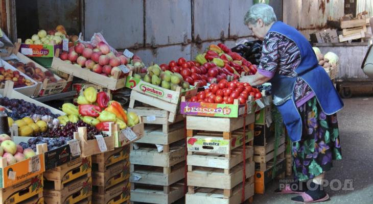 Крупа вместо свежих овощей: россияне туже затягивают пояса