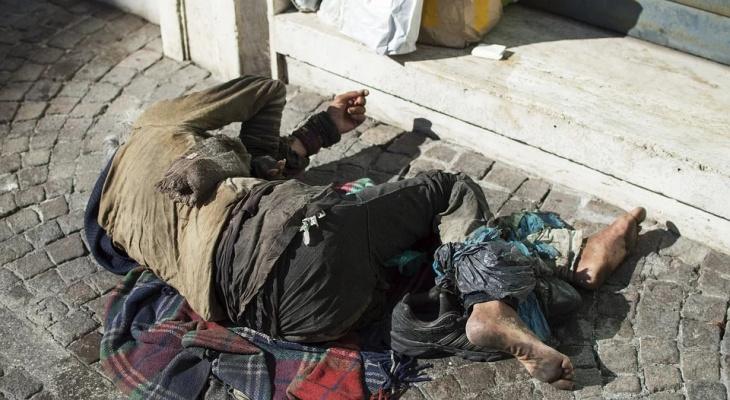 """""""А взгляд безобидный, как у верного пса"""": бомж в банке заставил пензячку задуматься над жизнью бездомных"""