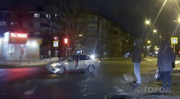 В Сети появилось видео страшной аварии на перекрестке в Пензе