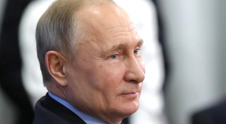 «Родные мои, понимаю, как вам нелегко»: Путин обратился к пенсионерам