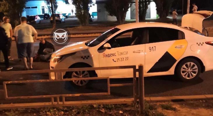 Ночью в Пензе таксист сбил девушку