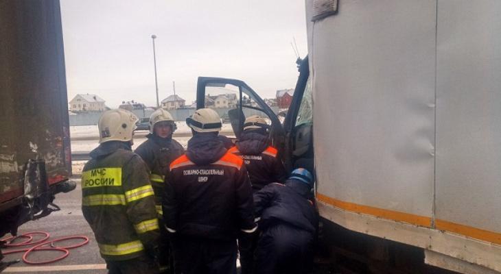 В Пензе на Суре подо льдом нашли тело мужчины