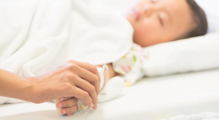 Запах чувствуется: врачи объяснили, как определить ковид у ребенка