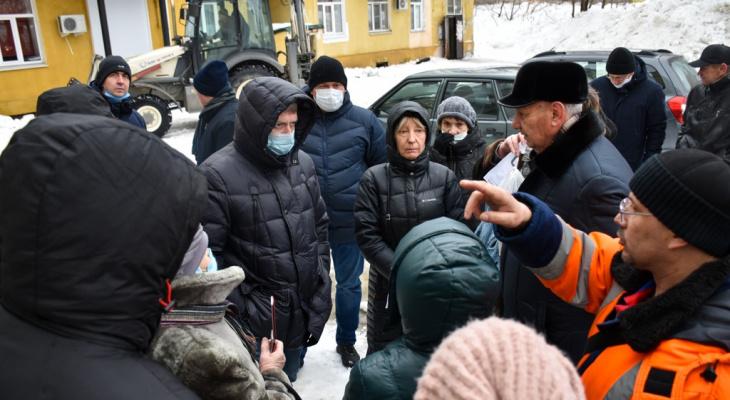 Мэр Пензы встретился с горожанами после их жалоб