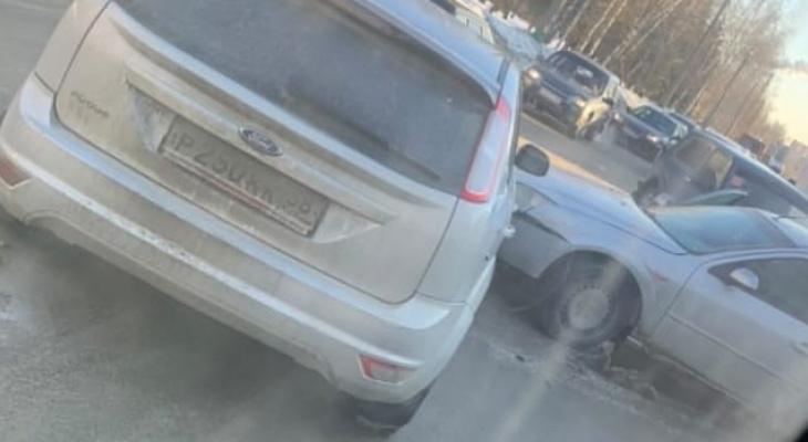 В Пензе из-за утренних аварий на нескольких улицах парализовало движение
