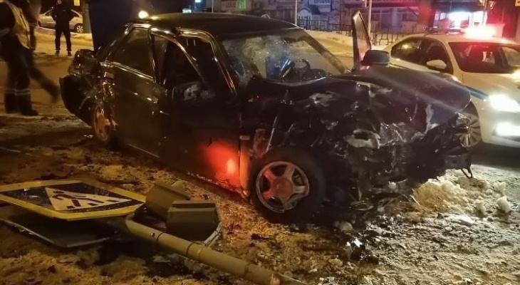 «Водитель в наручниках»: в Пензе произошла жесткая авария с пострадавшими