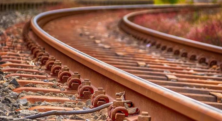 В Пензе поезд насмерть сбил человека