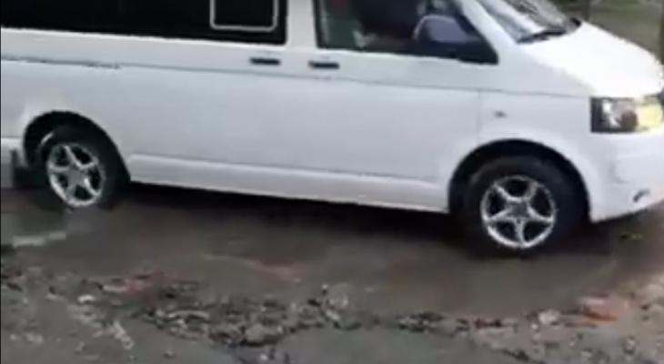 Пензенцы показали «плавающие» машины на улицах городах