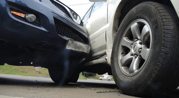 В Пензе на улице Луначарского произошла авария с пострадавшими