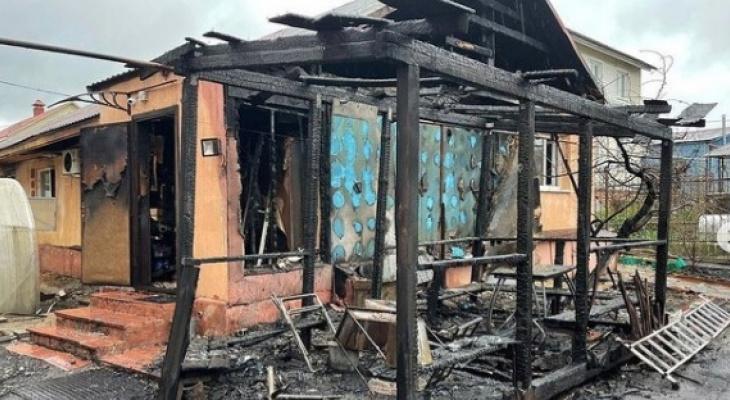 «Я услышала мамины крики»: пензячка оказалась в объятом пламенем доме