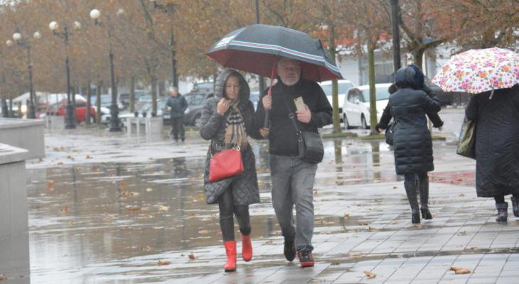 «Дожди и грозы»: синоптики озвучили прогноз погоды для региона