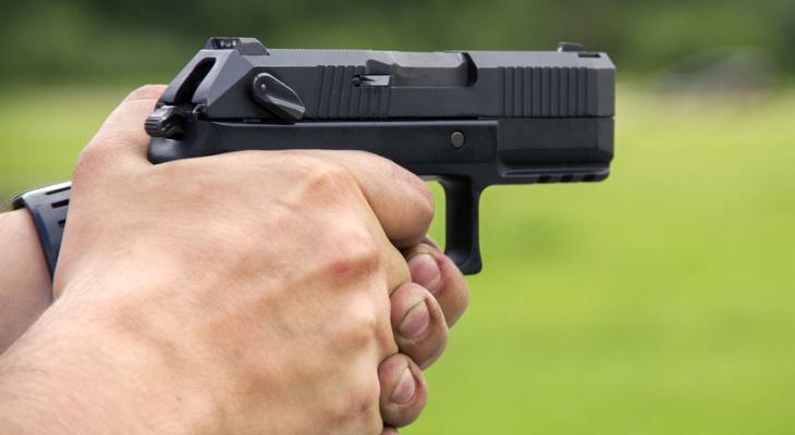 Соцсети: в Пензе полицейский застрелил прохожего