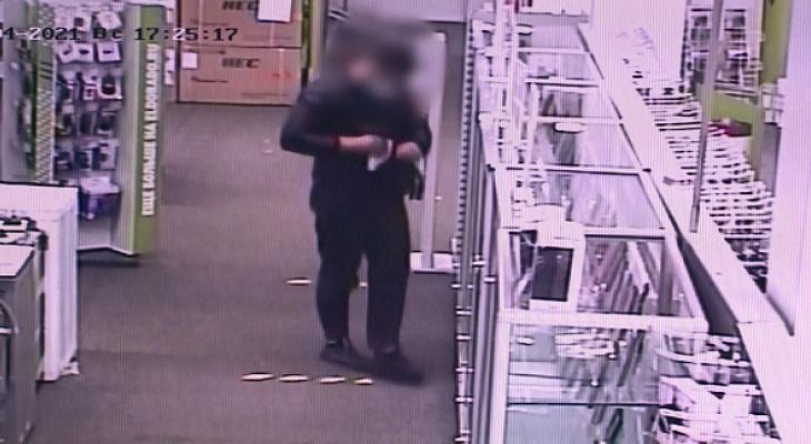 В Пензе задержан торговец украденными из магазина телефонами