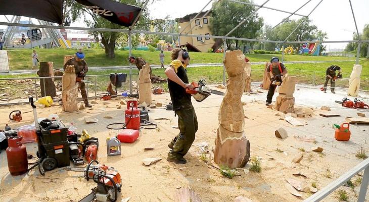 В Спутнике состоялся фестиваль резьбы по дереву бензопилой