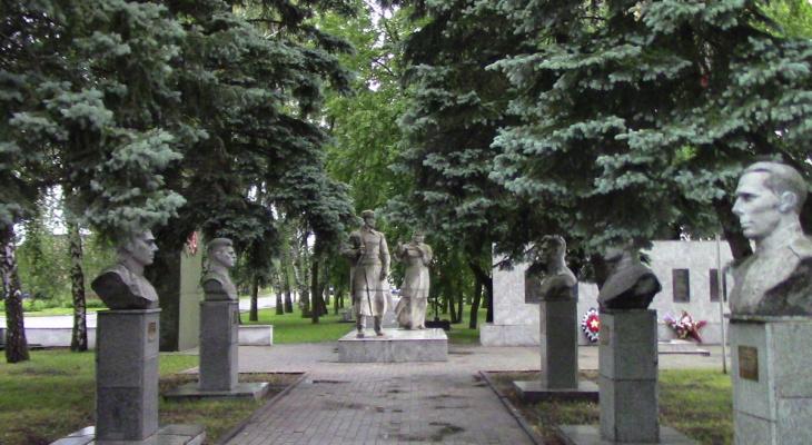 В Пензенской области неизвестные осквернили памятники на Аллее героев