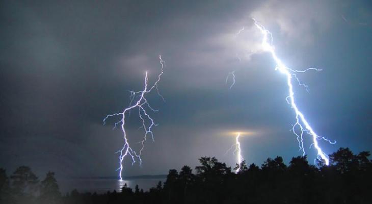 «Дожди, грозы и град»: синоптики обескуражили прогнозом погоды в регионе