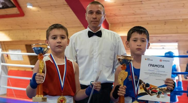 В Спутнике прошел турнир по боксу на призы Рафика Ибрагимова