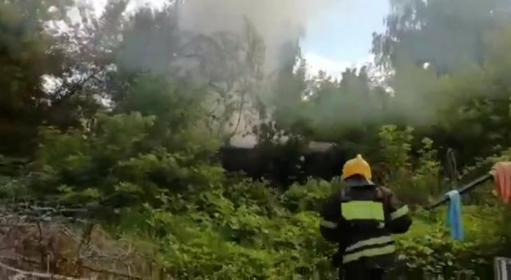 В Пензе на улице Воровского произошёл пожар - видео