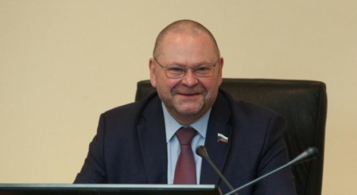 Олег Мельниченко предложил ввести в регионе обязательную вакцинацию