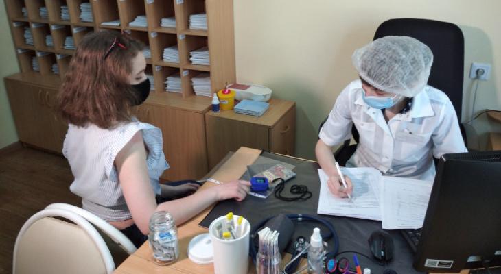 Эксперты озвучили, кому нельзя вводить вакцину от COVID-19