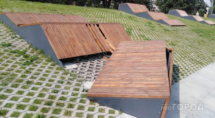 В Пензе вандалы сломали скамейки на набережной