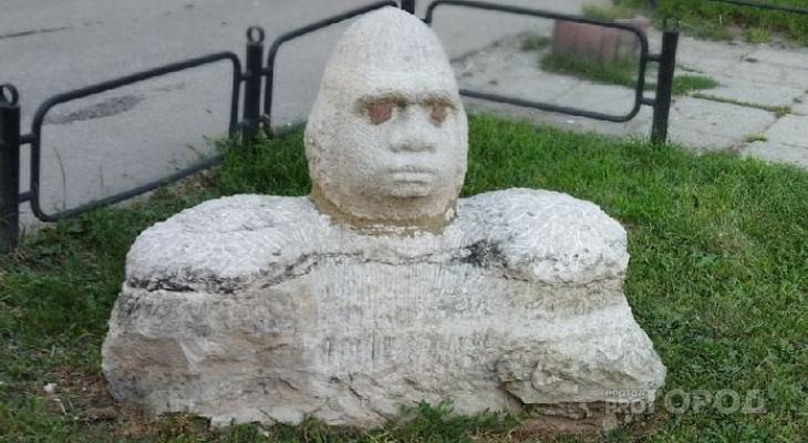 Каменный «гомункул» пугает пензенцев по ночам