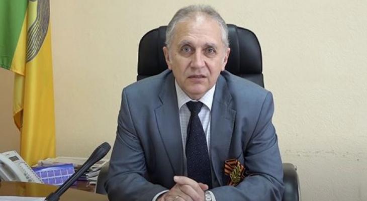 «Народ привозит новые штаммы»: мэр Кузнецка рассказал о наступлении ковида из-за отпусков