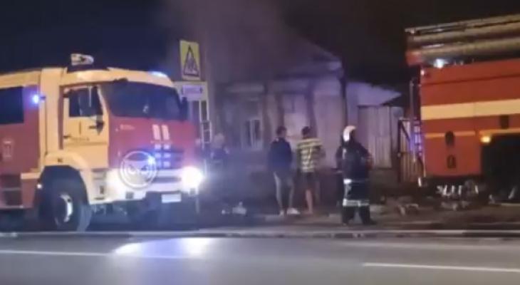 В МЧС сообщили подробности ночного пожара на улице Калинина