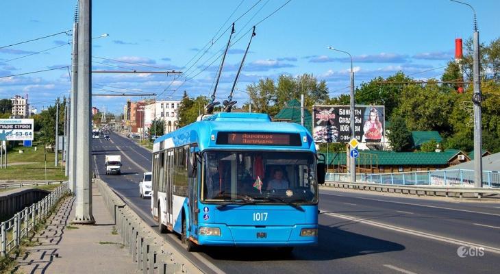 В Пензе появилась возможность оплачивать проезд в троллейбусах банковской картой