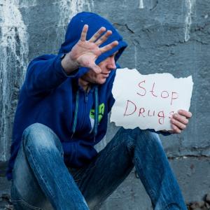 В Заречном поймали молодого человека, хранившего наркотики