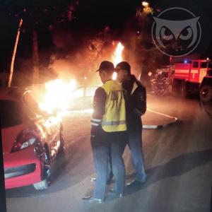 В Пензе на Ворошилова вспыхнул автомобиль