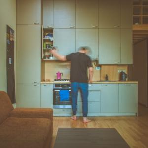 «Он все починил и не понял, почему я так тяжко вздохнула»: пензячка об отношениях с соседями