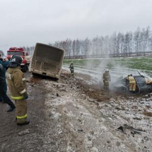 Авто улетело в кювет и загорелось: в ДТП под Пензой погибла молодая женщина