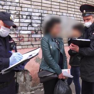 «Я хотела выйти на работу»: в Пензе две девушки пытались бежать из дома на карантине