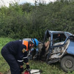 Пензенские спасатели вырезали из раскуроченного авто тело погибшего в ДТП водителя