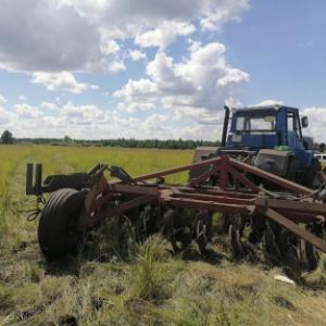 В Пензенской области мужчину задавил трактор