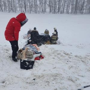 """Несколько погибших: появились снимки с места кошмарной аварии на трассе """"Пенза-Саратов"""""""