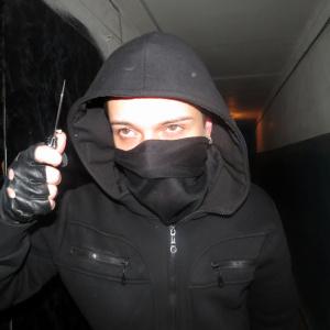 Неизвестный с ножом напал на микрофинансовую организацию в Пензе - видео