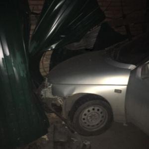 «Задел машины и врезался в забор»: в Пензе рассказали об аварии на улице Минской