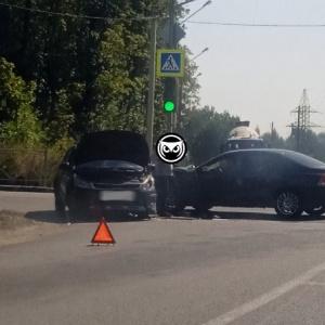 В Пензе произошла жесткая авария на повороте