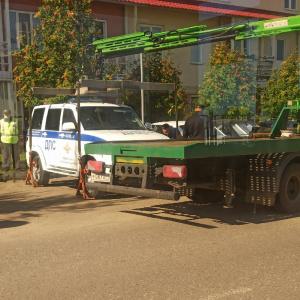 «Эвакуатор, который смог»: в Пензе увезли машину ДПС